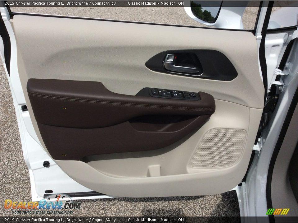 2019 Chrysler Pacifica Touring L Bright White / Cognac/Alloy Photo #8