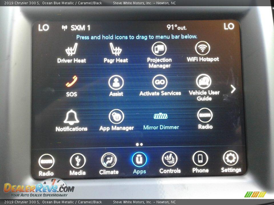 Controls of 2019 Chrysler 300 S Photo #25