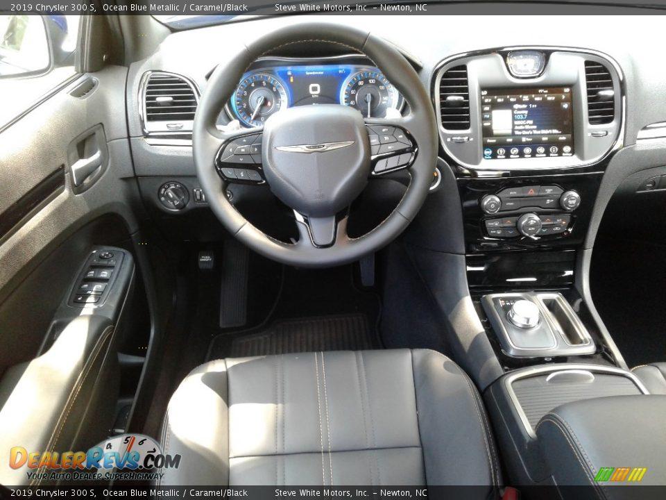 Dashboard of 2019 Chrysler 300 S Photo #31