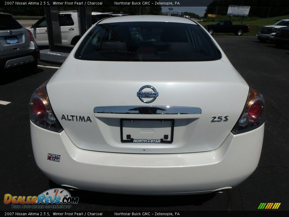 2007 Nissan Altima 2.5 S Winter Frost Pearl / Charcoal Photo #11