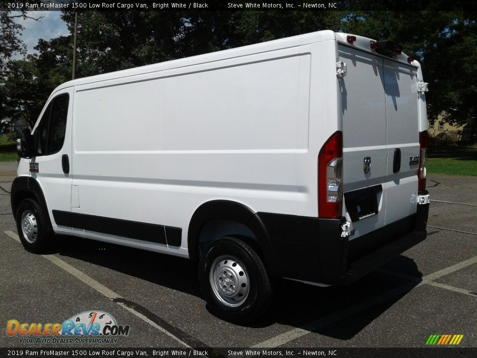 2019 Ram ProMaster 1500 Low Roof Cargo Van Bright White / Black Photo #8