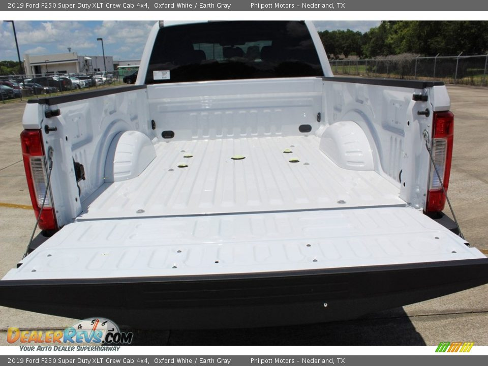 2019 Ford F250 Super Duty XLT Crew Cab 4x4 Oxford White / Earth Gray Photo #22