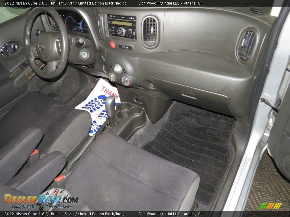 2012 Nissan Cube 1.8 S Brilliant Silver / Limited Edition Black/Indigo Photo #28