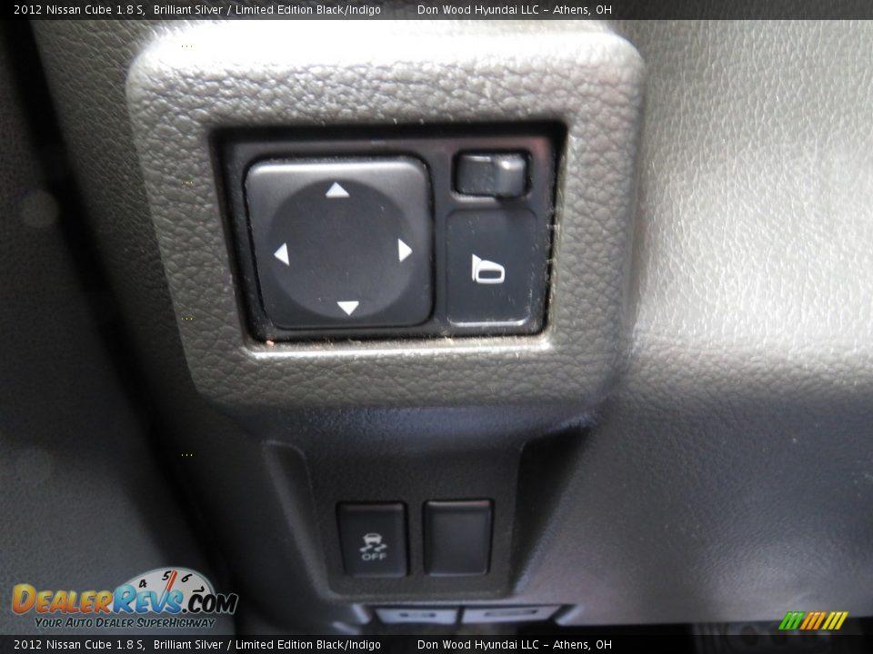 2012 Nissan Cube 1.8 S Brilliant Silver / Limited Edition Black/Indigo Photo #36