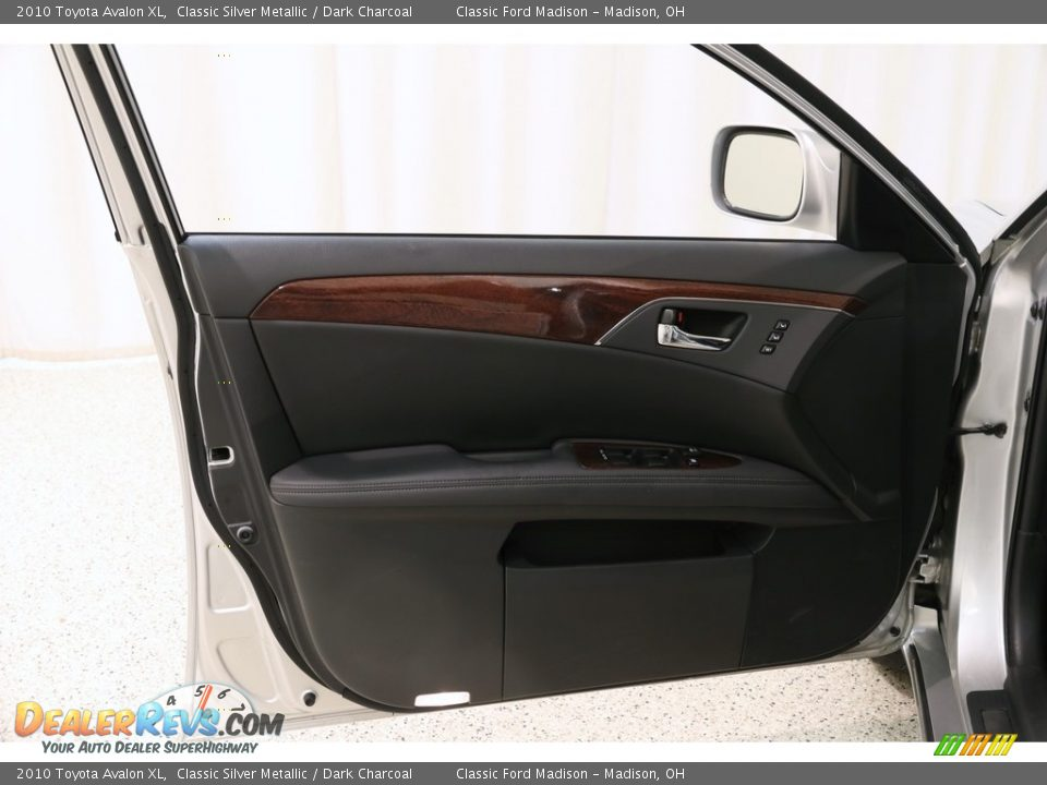 2010 Toyota Avalon XL Classic Silver Metallic / Dark Charcoal Photo #4
