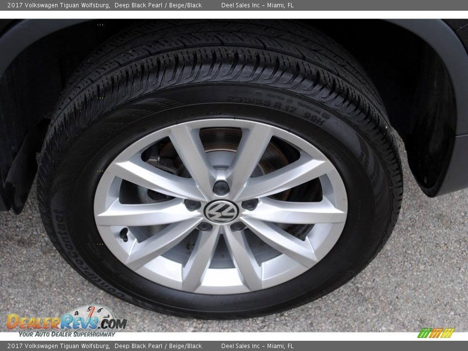 2017 Volkswagen Tiguan Wolfsburg Deep Black Pearl / Beige/Black Photo #10