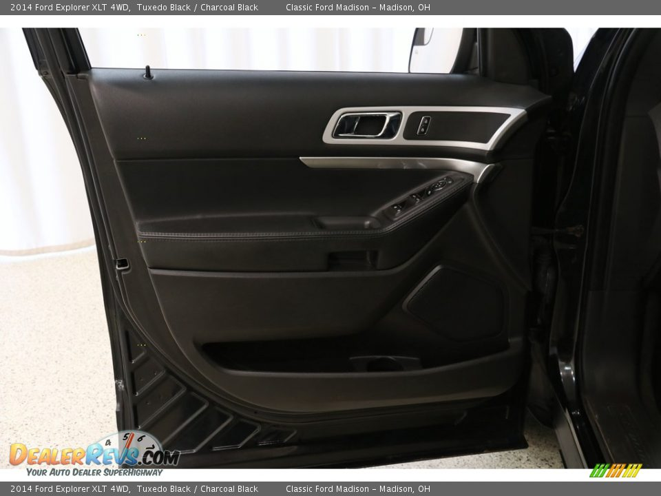 2014 Ford Explorer XLT 4WD Tuxedo Black / Charcoal Black Photo #4