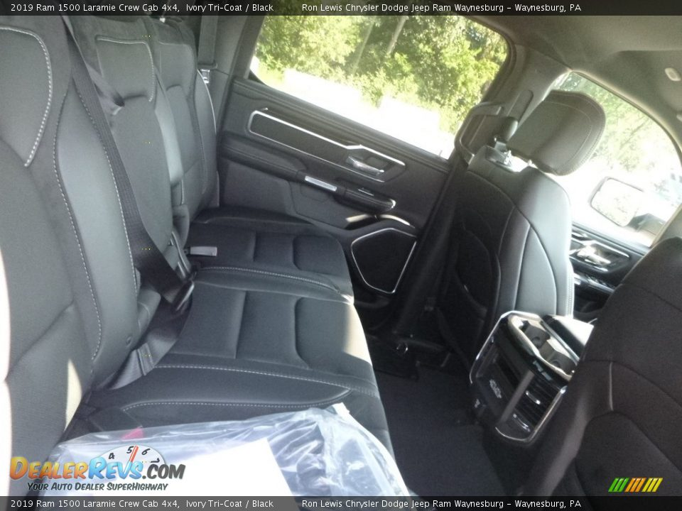 2019 Ram 1500 Laramie Crew Cab 4x4 Ivory Tri–Coat / Black Photo #11