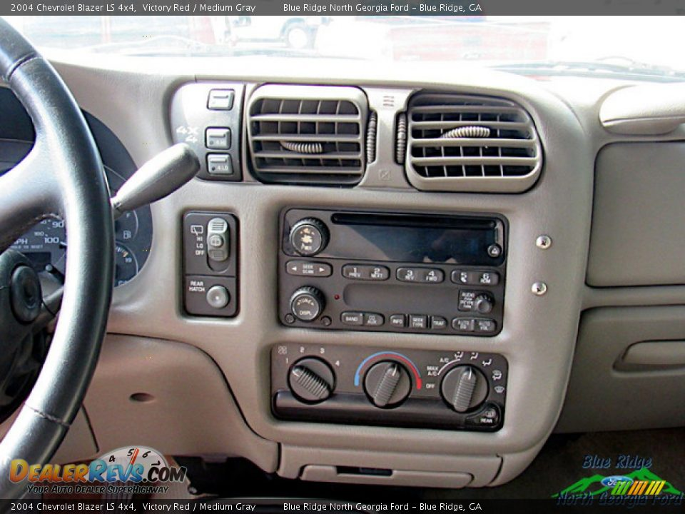 2004 Chevrolet Blazer LS 4x4 Victory Red / Medium Gray Photo #11