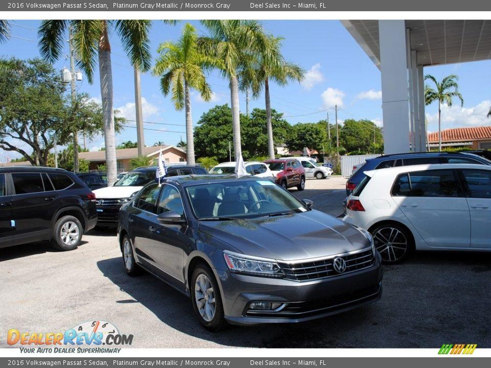 2016 Volkswagen Passat S Sedan Platinum Gray Metallic / Moonrock Gray Photo #1