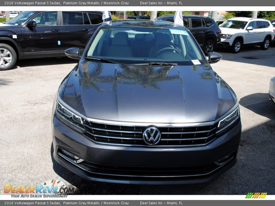 2016 Volkswagen Passat S Sedan Platinum Gray Metallic / Moonrock Gray Photo #3