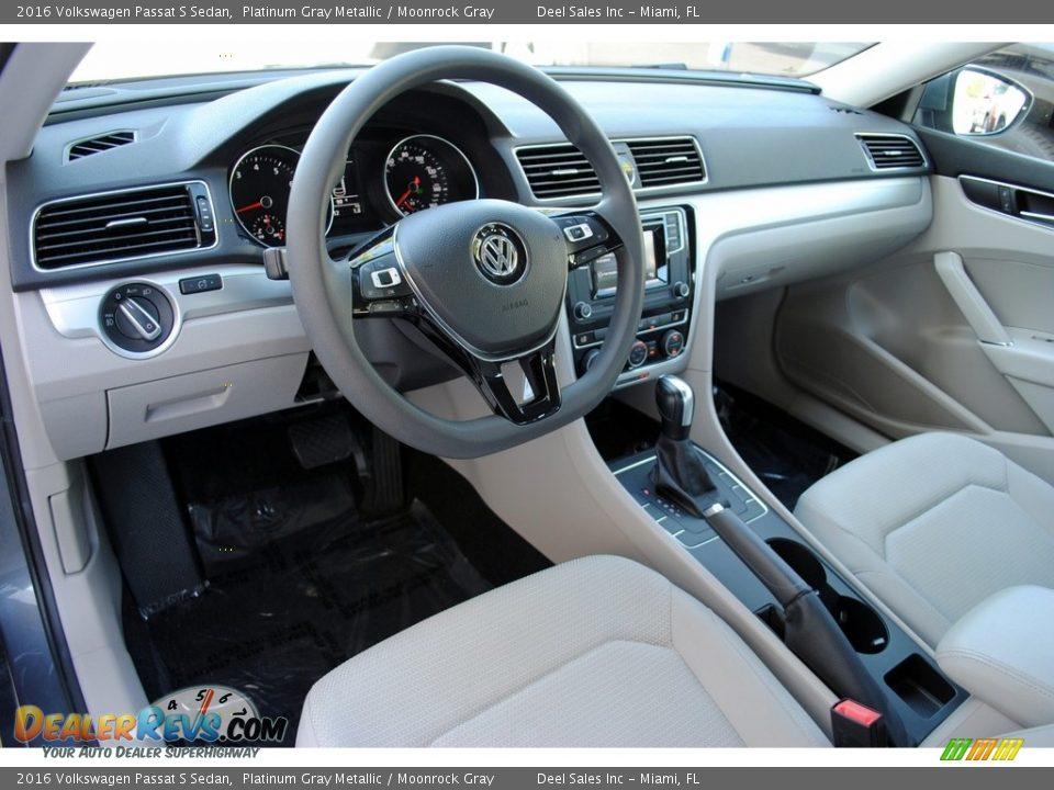 2016 Volkswagen Passat S Sedan Platinum Gray Metallic / Moonrock Gray Photo #12