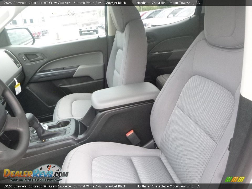 Front Seat of 2020 Chevrolet Colorado WT Crew Cab 4x4 Photo #15
