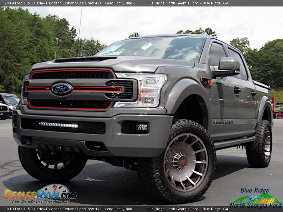 Front 3/4 View of 2019 Ford F150 Harley Davidson Edition SuperCrew 4x4 Photo #1