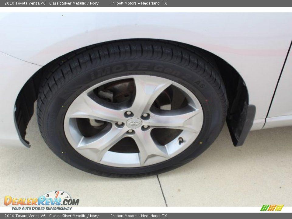 2010 Toyota Venza V6 Classic Silver Metallic / Ivory Photo #5