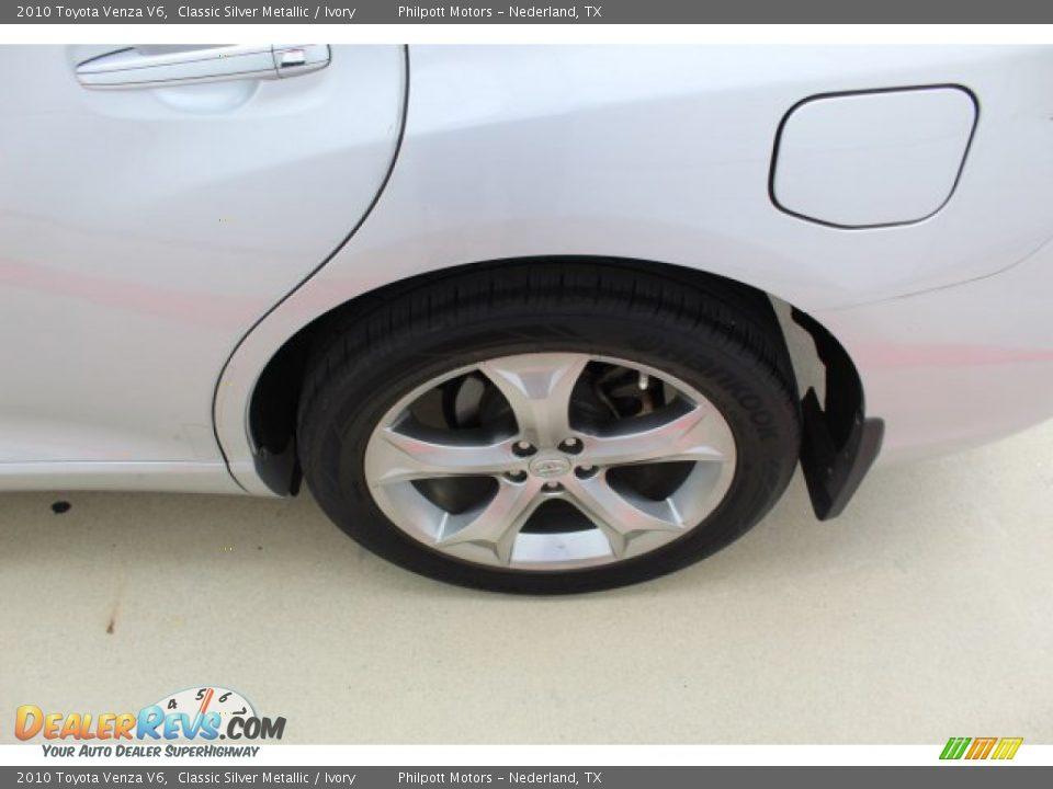 2010 Toyota Venza V6 Classic Silver Metallic / Ivory Photo #6