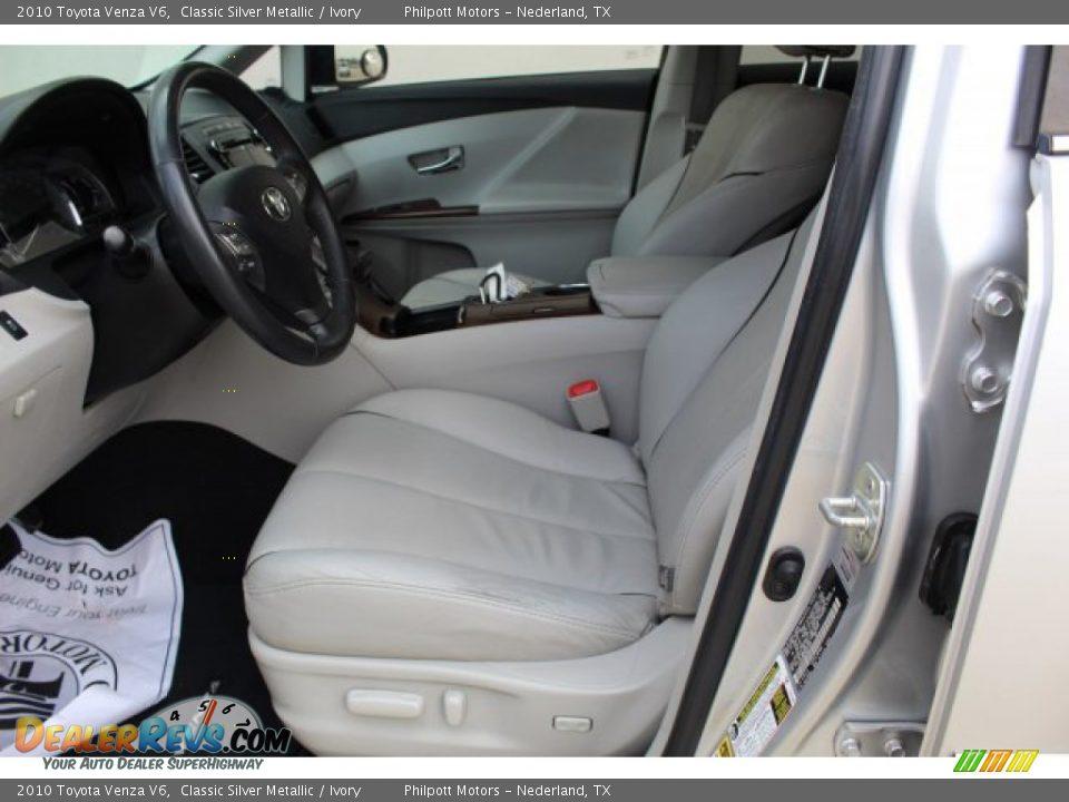 2010 Toyota Venza V6 Classic Silver Metallic / Ivory Photo #12