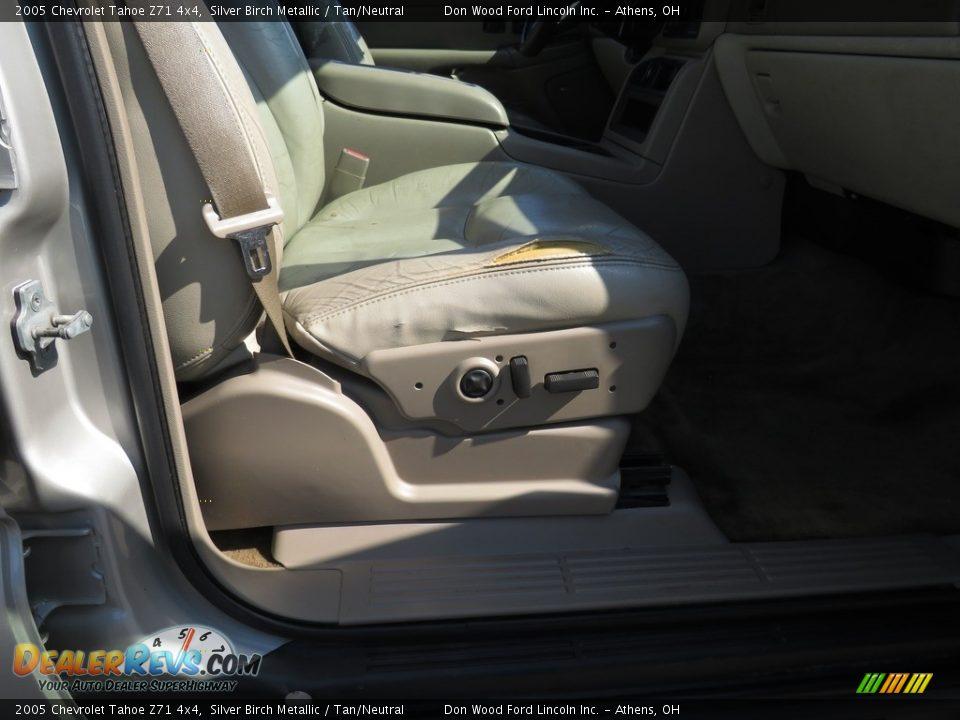 2005 Chevrolet Tahoe Z71 4x4 Silver Birch Metallic / Tan/Neutral Photo #27
