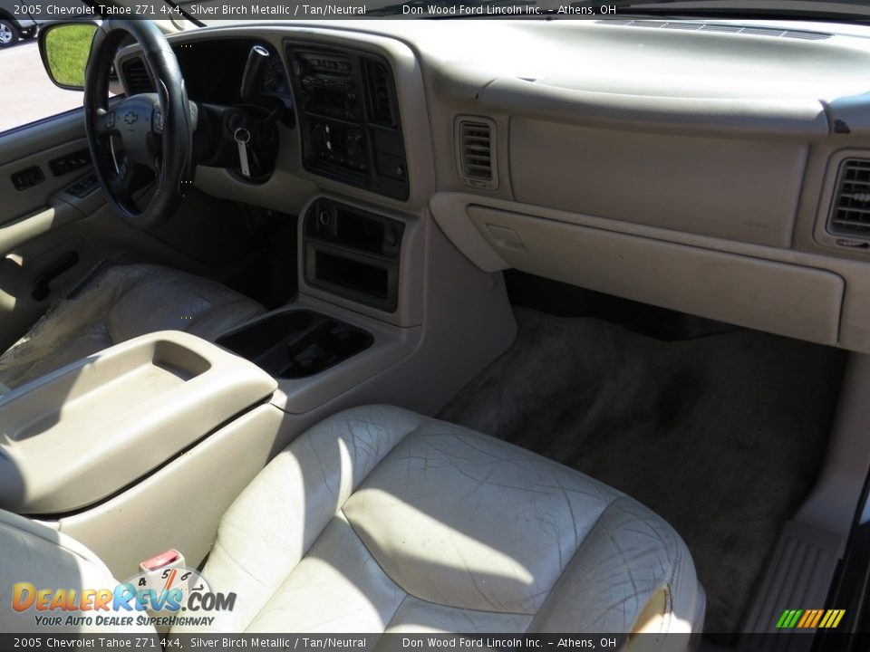 2005 Chevrolet Tahoe Z71 4x4 Silver Birch Metallic / Tan/Neutral Photo #28