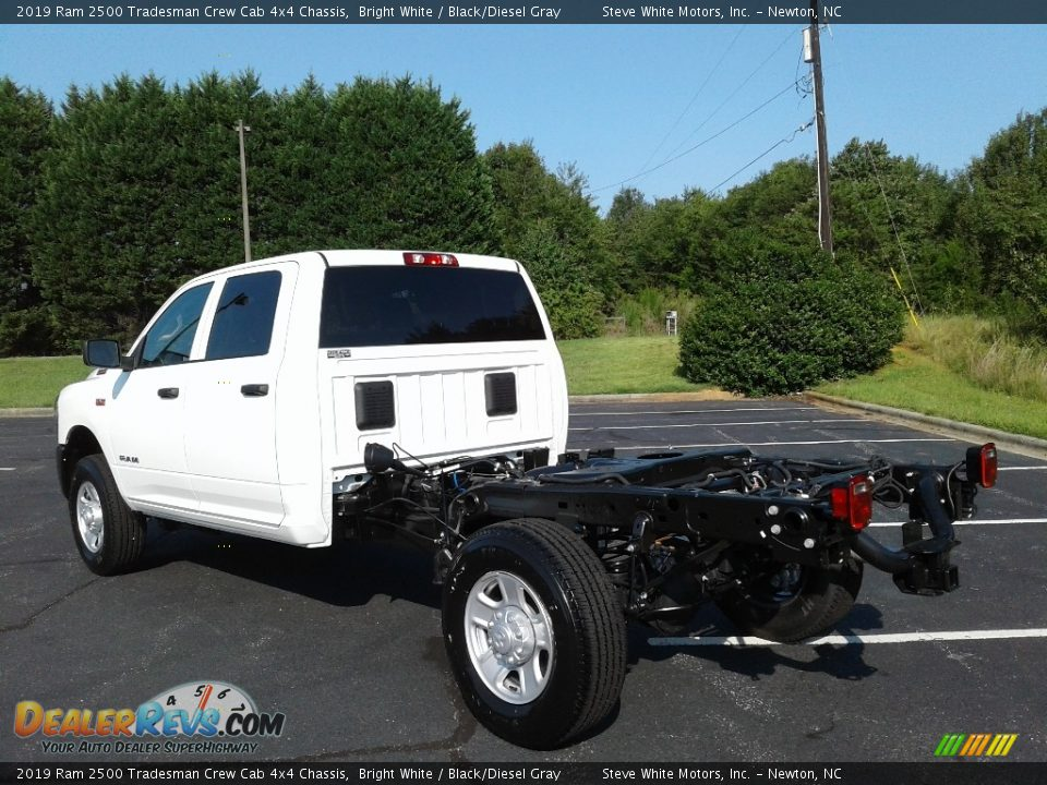2019 Ram 2500 Tradesman Crew Cab 4x4 Chassis Bright White / Black/Diesel Gray Photo #8