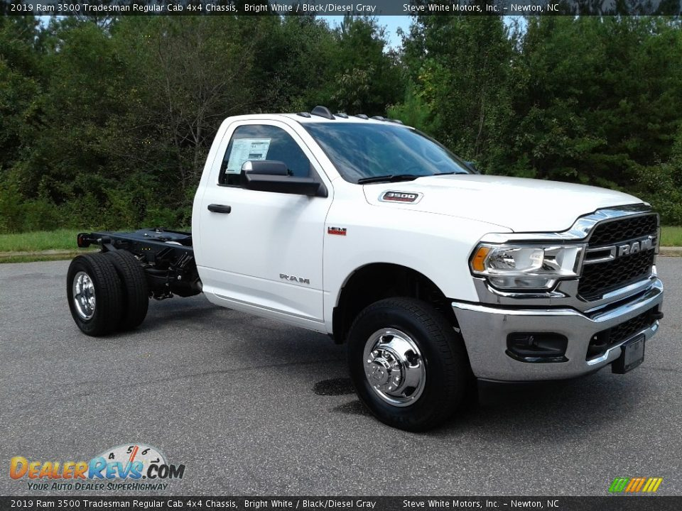 2019 Ram 3500 Tradesman Regular Cab 4x4 Chassis Bright White / Black/Diesel Gray Photo #4