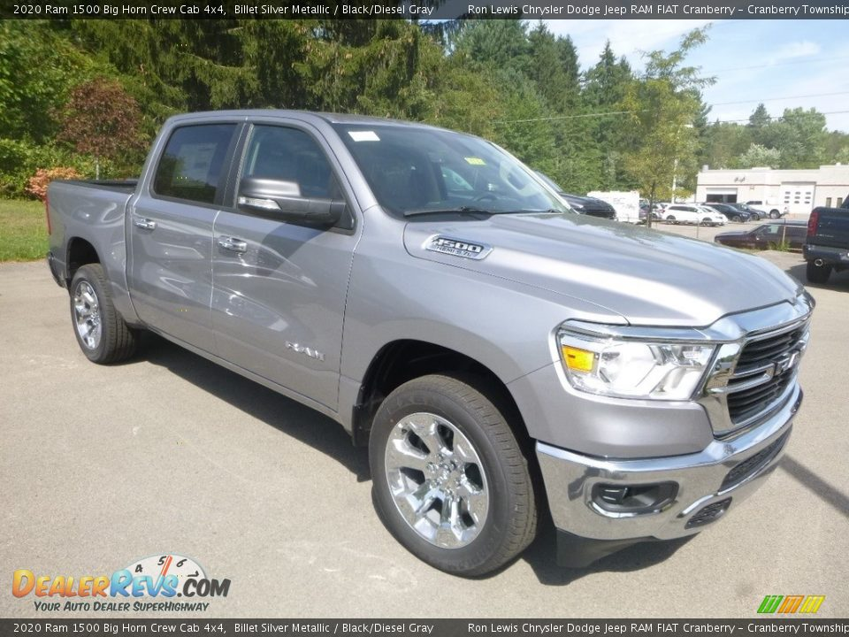 Front 3/4 View of 2020 Ram 1500 Big Horn Crew Cab 4x4 Photo #7