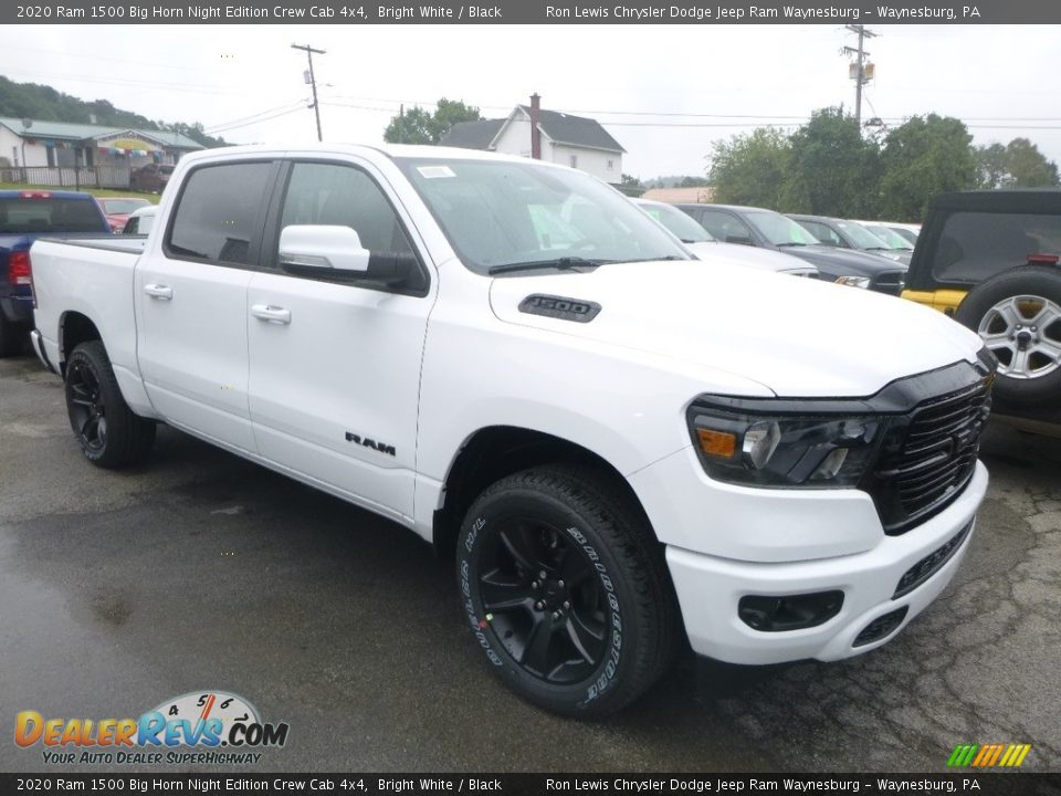Front 3/4 View of 2020 Ram 1500 Big Horn Night Edition Crew Cab 4x4 Photo #6