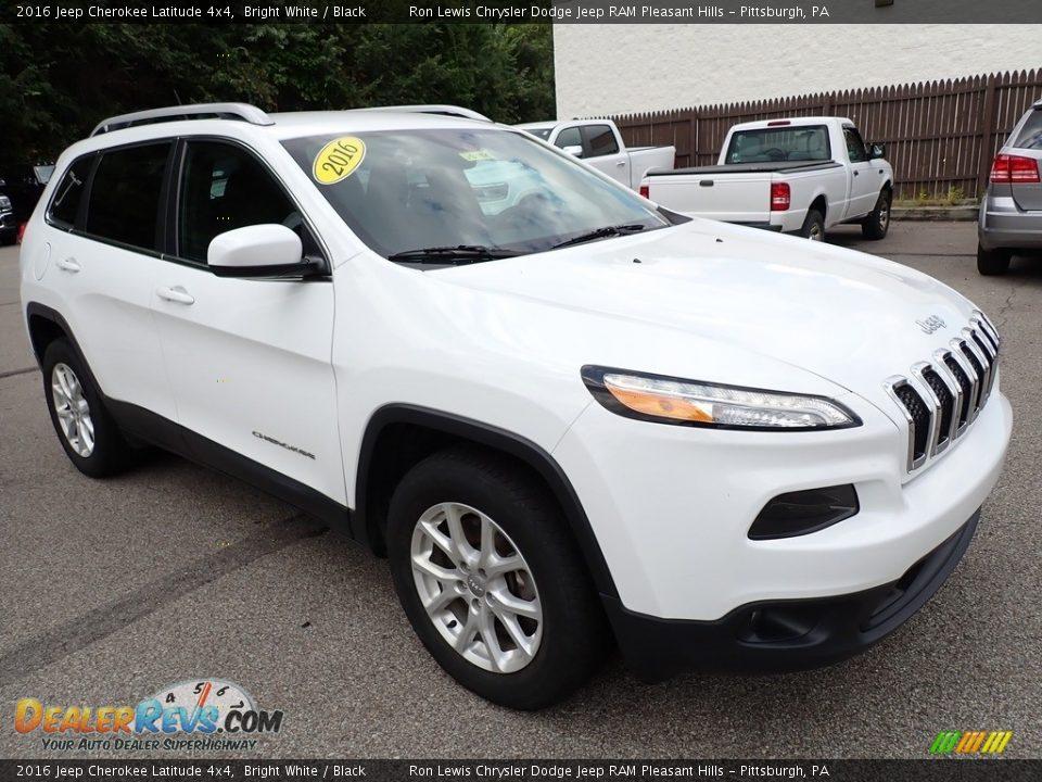 2016 Jeep Cherokee Latitude 4x4 Bright White / Black Photo #8