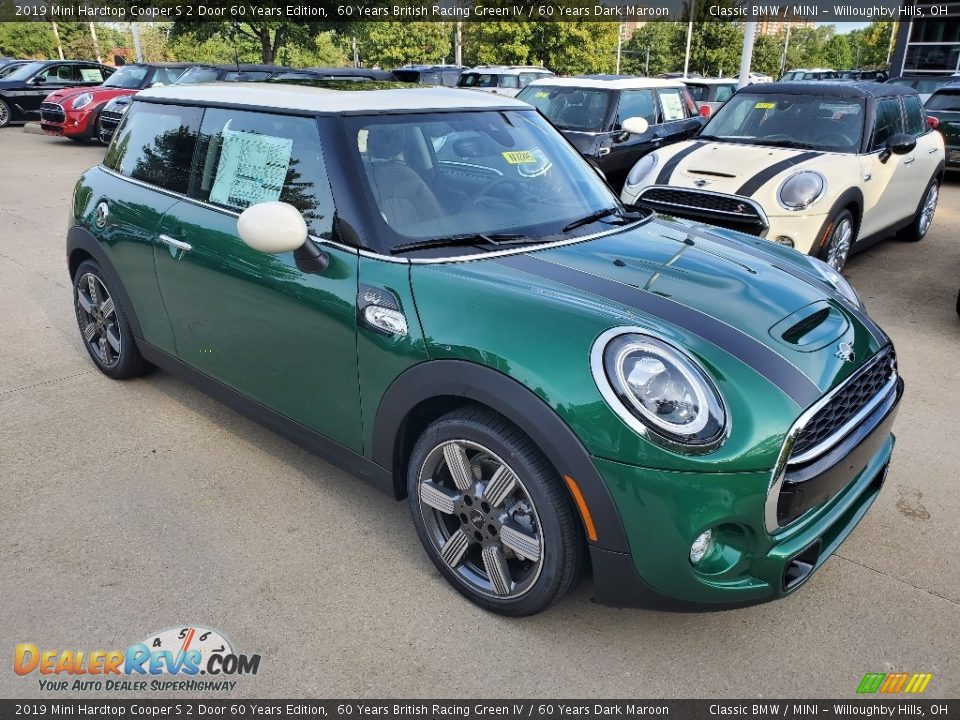 Front 3/4 View of 2019 Mini Hardtop Cooper S 2 Door 60 Years Edition Photo #1