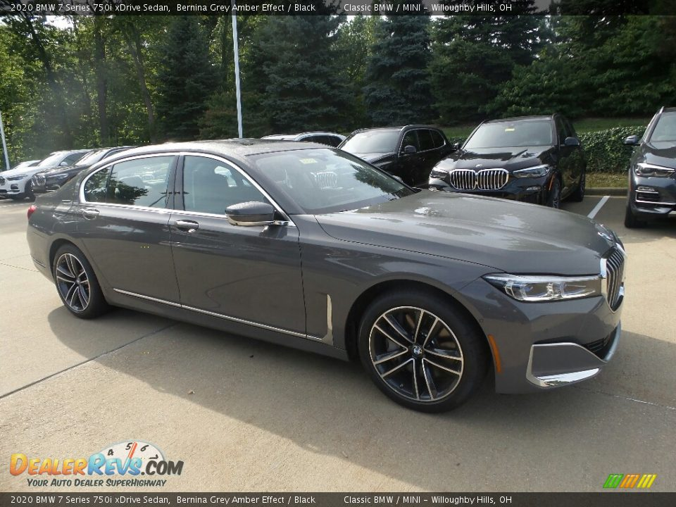 Front 3/4 View of 2020 BMW 7 Series 750i xDrive Sedan Photo #1