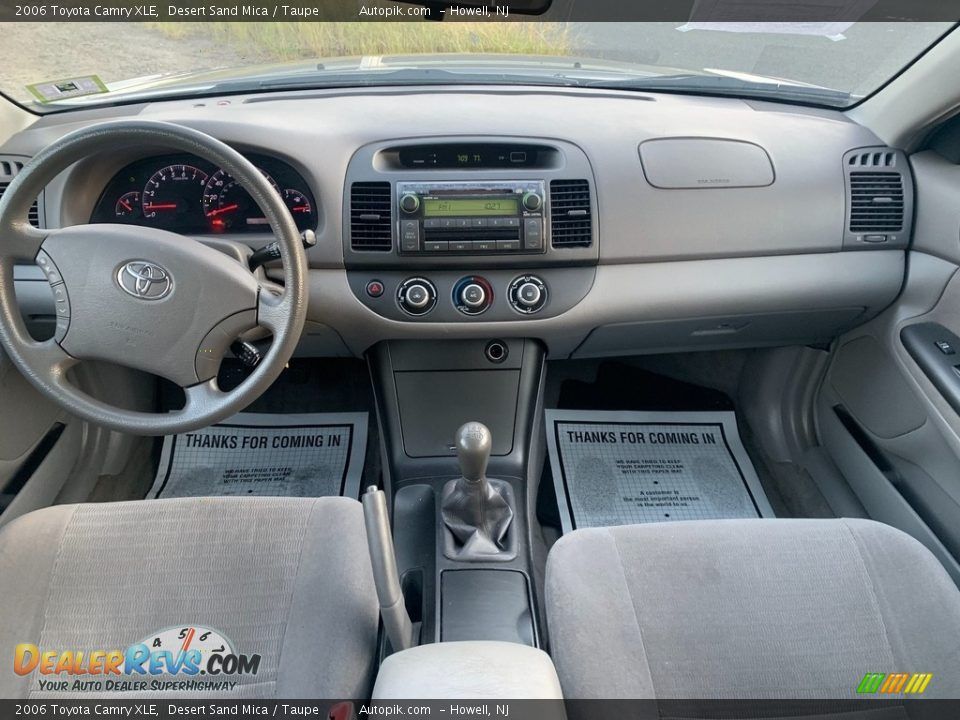 2006 Toyota Camry XLE Desert Sand Mica / Taupe Photo #14
