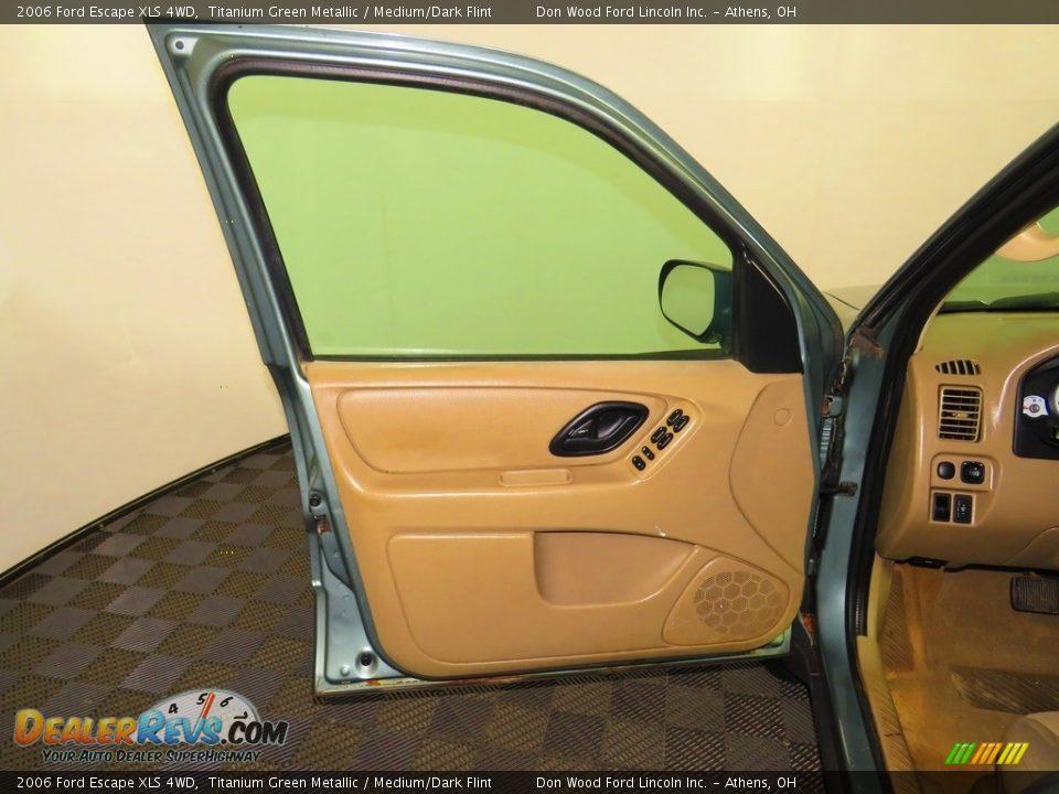 2006 Ford Escape XLS 4WD Titanium Green Metallic / Medium/Dark Flint Photo #16