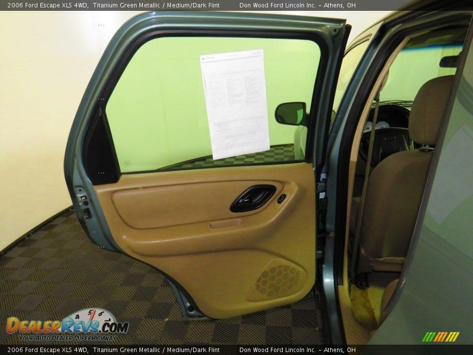 2006 Ford Escape XLS 4WD Titanium Green Metallic / Medium/Dark Flint Photo #20