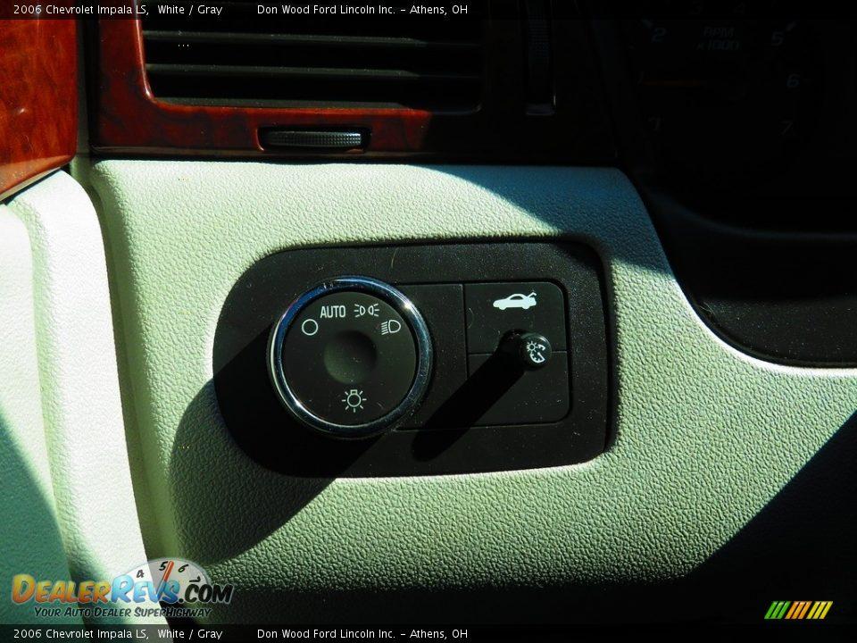 2006 Chevrolet Impala LS White / Gray Photo #32