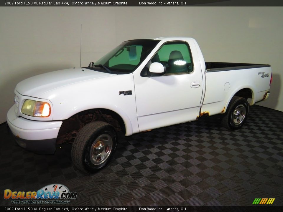 2002 Ford F150 XL Regular Cab 4x4 Oxford White / Medium Graphite Photo #6