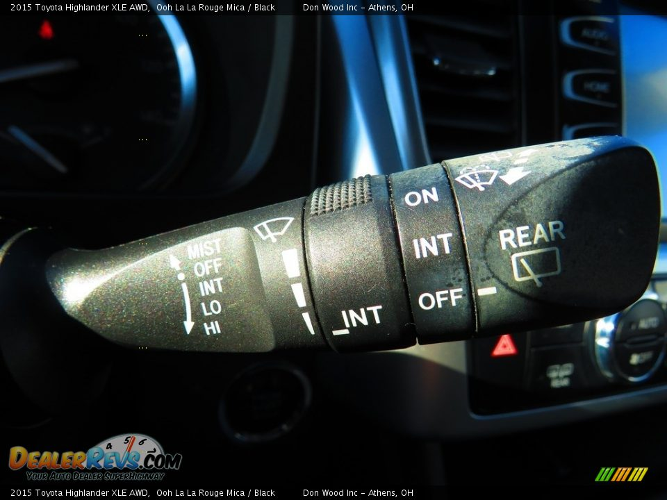 2015 Toyota Highlander XLE AWD Ooh La La Rouge Mica / Black Photo #36