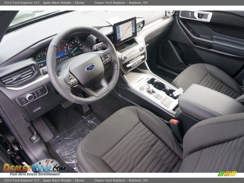 Front Seat of 2020 Ford Explorer XLT Photo #4