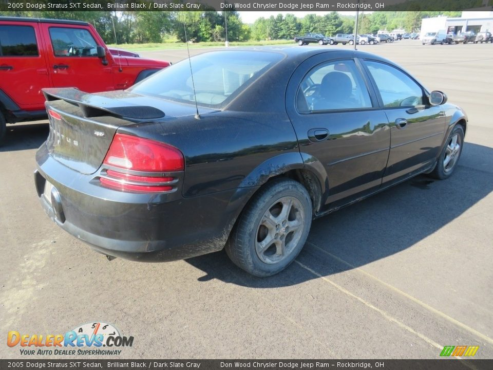 2005 Dodge Stratus SXT Sedan Brilliant Black / Dark Slate Gray Photo #7