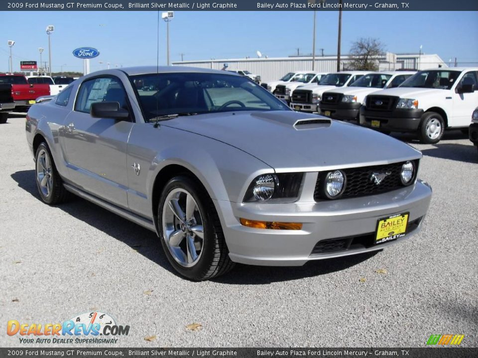 2009 ford mustang gt premium coupe brilliant silver metallic light graphite photo 7. Black Bedroom Furniture Sets. Home Design Ideas