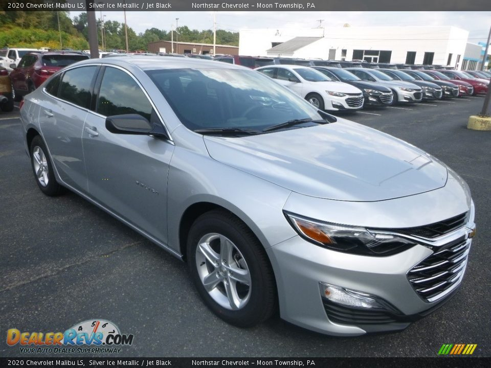 Front 3/4 View of 2020 Chevrolet Malibu LS Photo #7