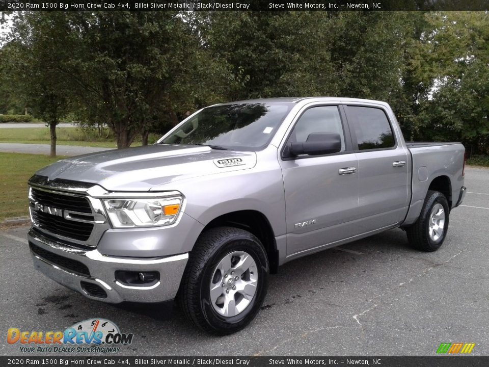 Front 3/4 View of 2020 Ram 1500 Big Horn Crew Cab 4x4 Photo #2