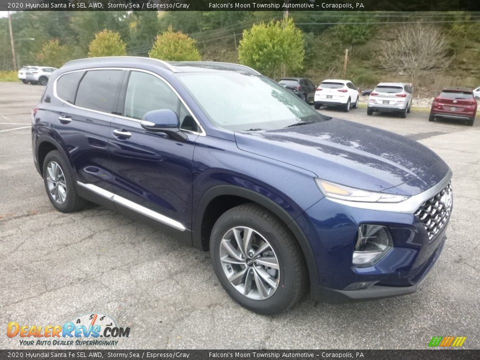 Front 3/4 View of 2020 Hyundai Santa Fe SEL AWD Photo #3