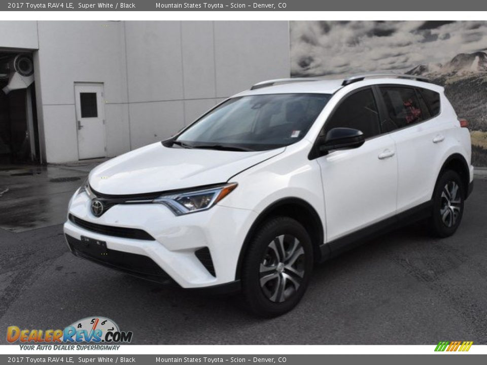 2017 Toyota RAV4 LE Super White / Black Photo #2