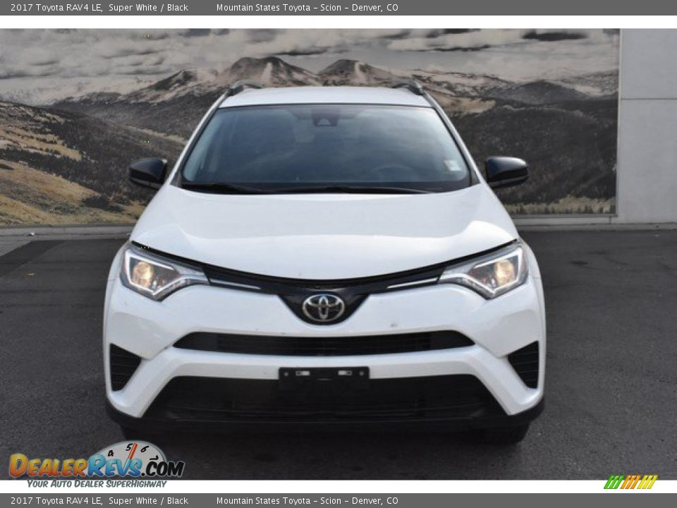 2017 Toyota RAV4 LE Super White / Black Photo #8