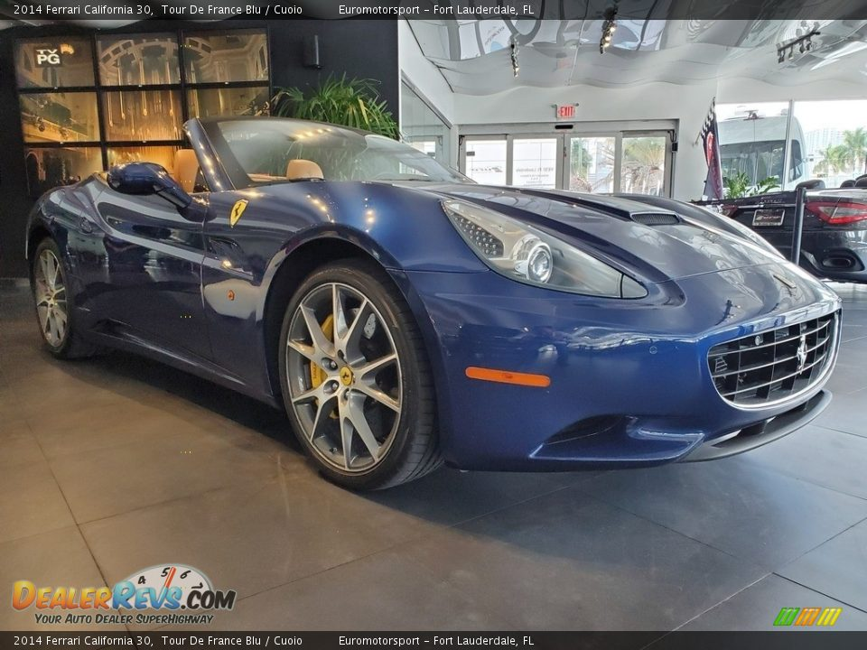 Front 3/4 View of 2014 Ferrari California 30 Photo #1