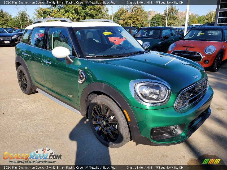 Front 3/4 View of 2020 Mini Countryman Cooper S All4 Photo #1