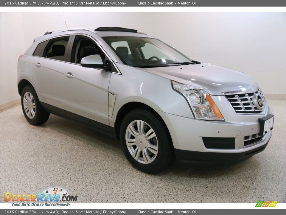 Front 3/4 View of 2016 Cadillac SRX Luxury AWD Photo #1