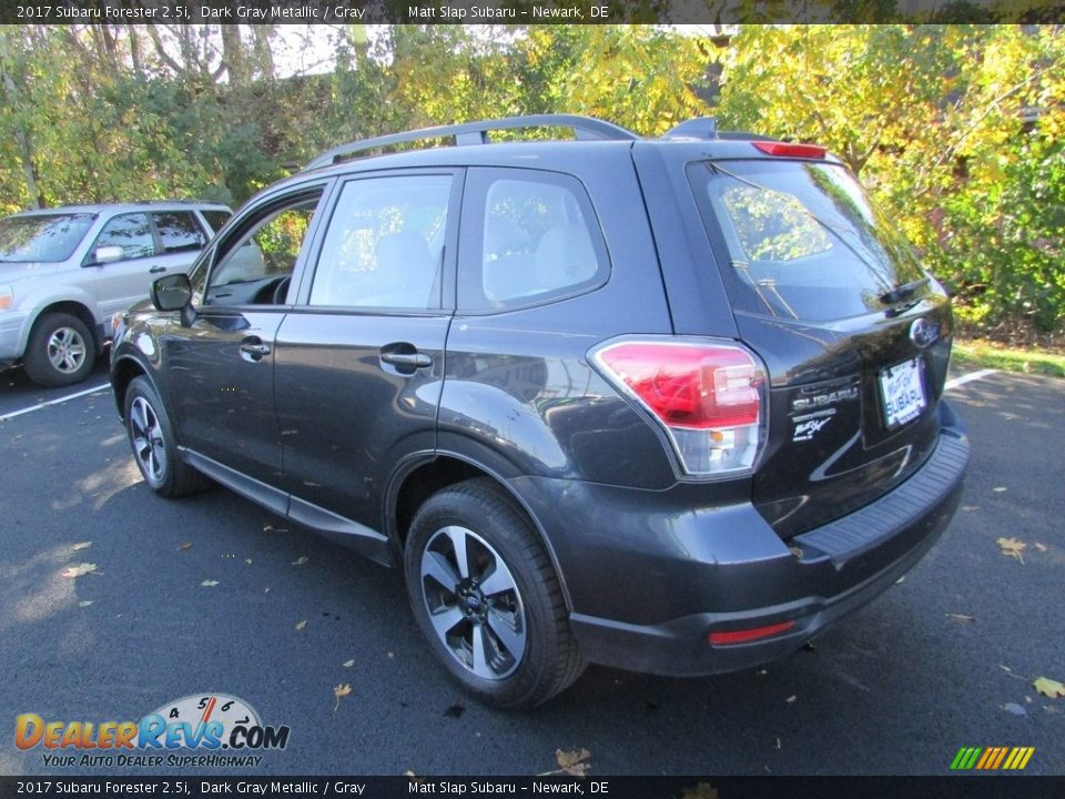 2017 Subaru Forester 2.5i Dark Gray Metallic / Gray Photo #8