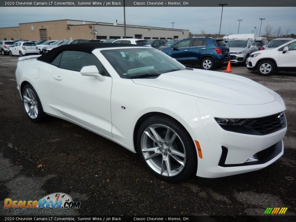 Front 3/4 View of 2020 Chevrolet Camaro LT Convertible Photo #3