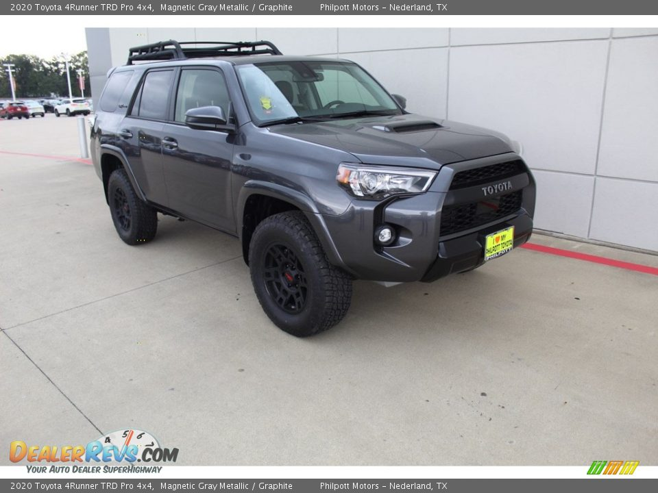 Front 3/4 View of 2020 Toyota 4Runner TRD Pro 4x4 Photo #2